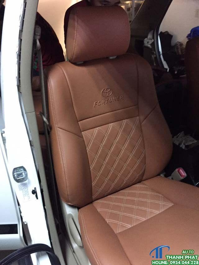 áo ghế da xe fortuner 2017