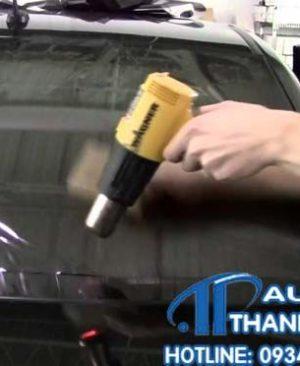 dán phim cách nhiệt tận nơi cho xe mercedes c250