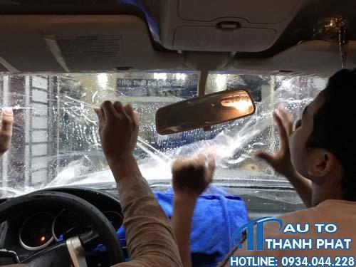dán phim cách nhiệt xe Xpander tại quận Thủ Đức nhanh chóng